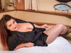 Webcam sex brunette de DianaXOXO