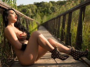 Gratis video webcamsex clip met MikyLovee